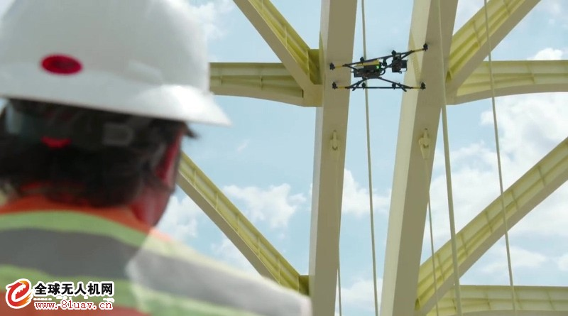 Intel 无人机检查古老大桥