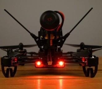 華科爾F210 3D穿越機