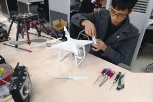 无人机组装、调试、维修班