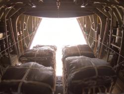 駐卡塔爾美國空軍完成史上最大規模空投行動