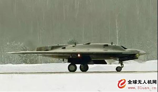 """专家点评俄罗斯""""猎人B""""隐身无人机首飞"""