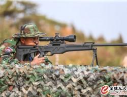 中国狙击手配备无人机获取战场信息