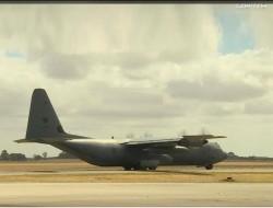 从C-130J大力神运输机上控制无人机