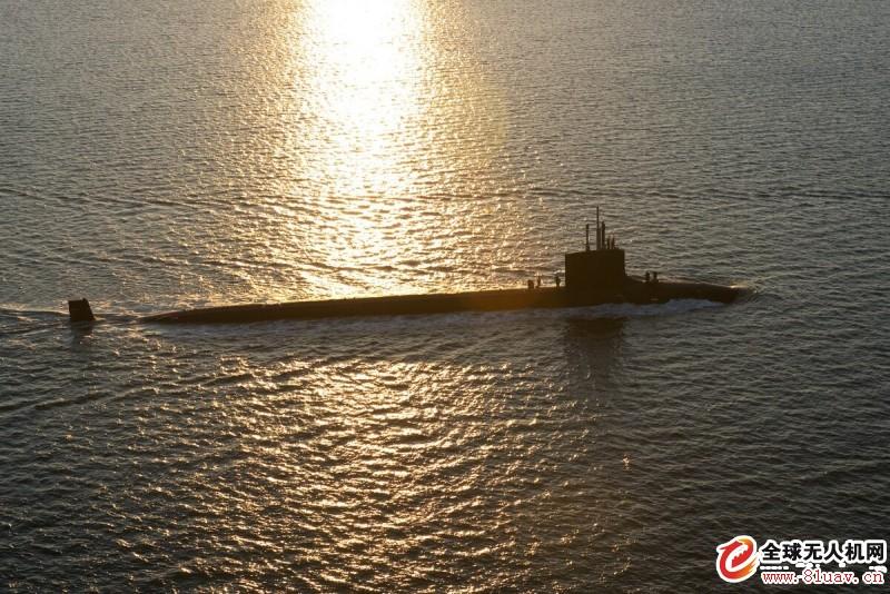 美国海军使用从潜艇发射的无人驾驶飞机搜索船只