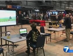 """美国空军国家博物馆举办""""微型无人机竞赛"""""""
